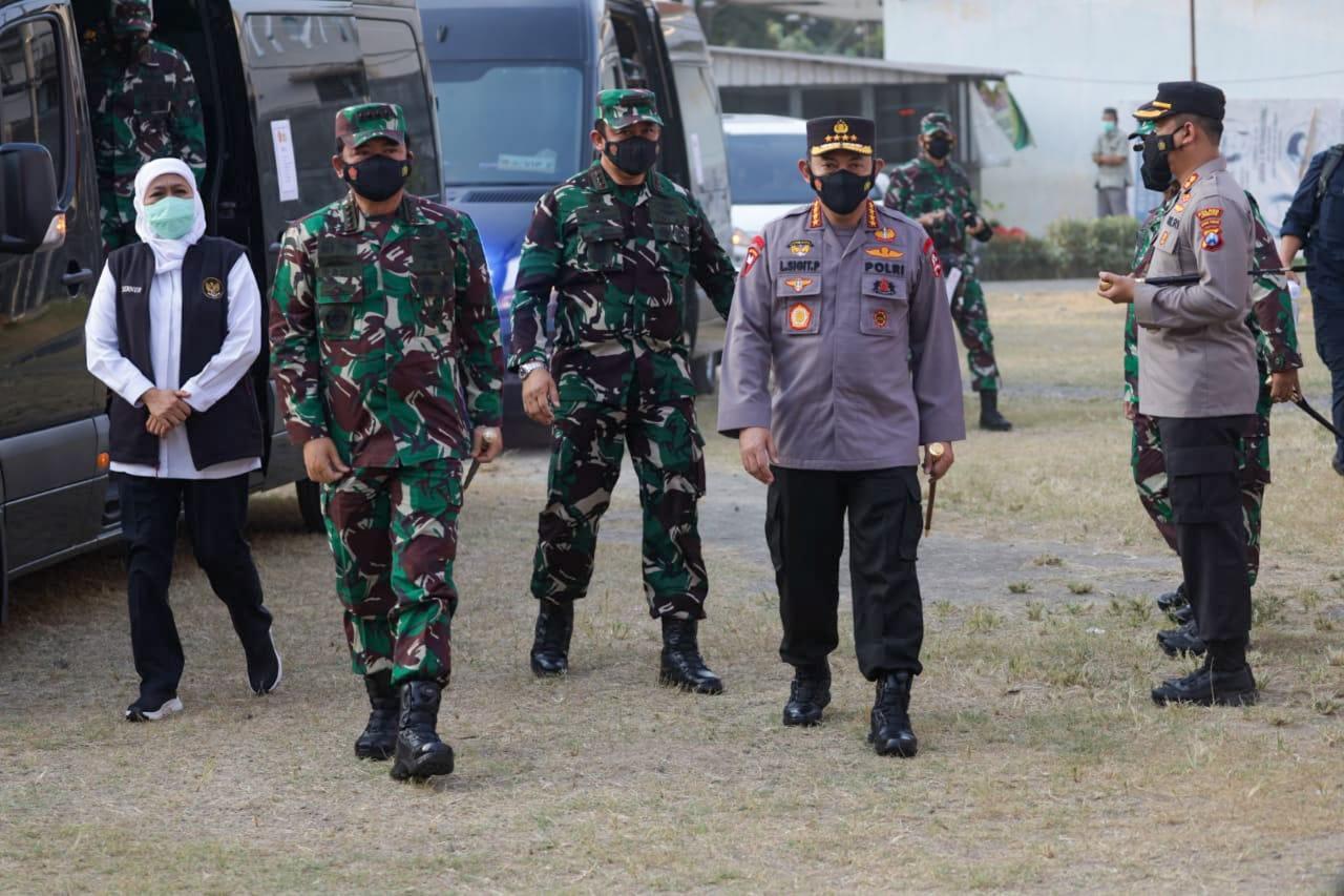 Panglima TNI dan Kapolri Tinjau Vaksinasi COVID-19 di Ponpes Tebuireng