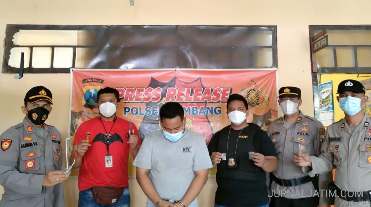 Dua Orang Pengedar Narkoba di Jombang Ditangkap, 9 Paket Sabu Diamankan