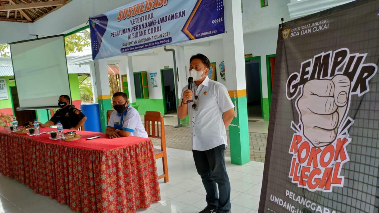 Dinas Kominfo Jombang Sosialisasi Ketentuan Cukai Rokok di Bawangan