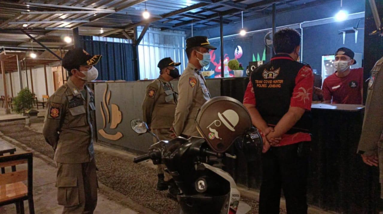 Polisi Intensifkan Patroli Malam Walau Level PPKM di Jombang Turun