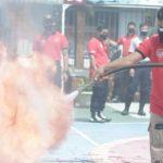 Antisipasi Kebakaran, Petugas Lapas Jombang Latihan Padamkan Api