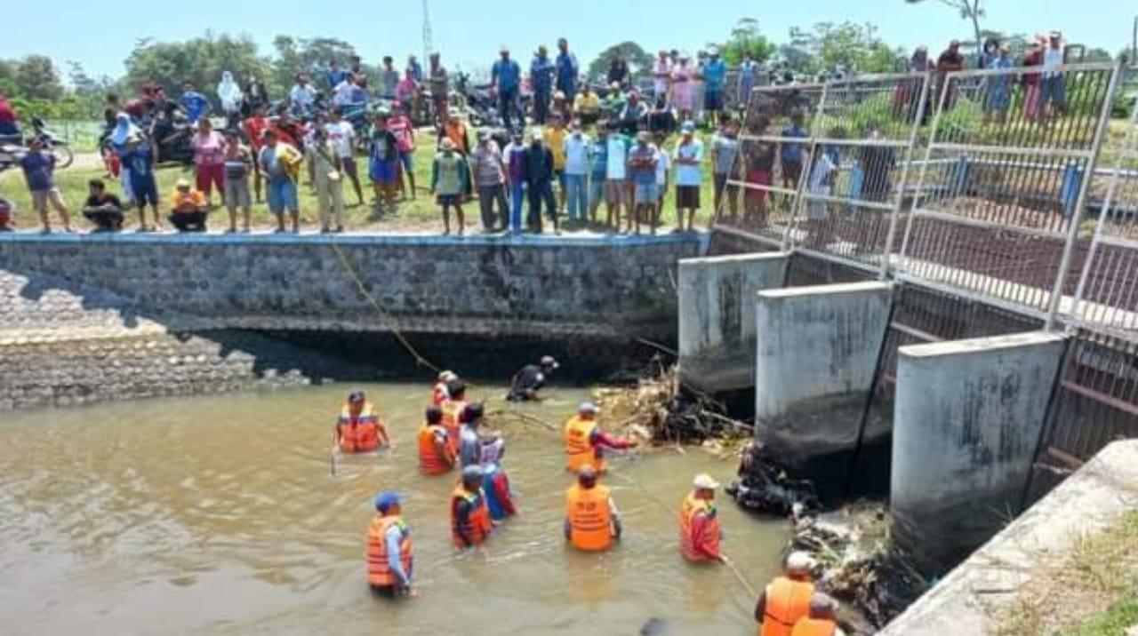 Ditemukan Sepeda dan Sandal, Warga Kediri Diduga Tenggelam di Sungai