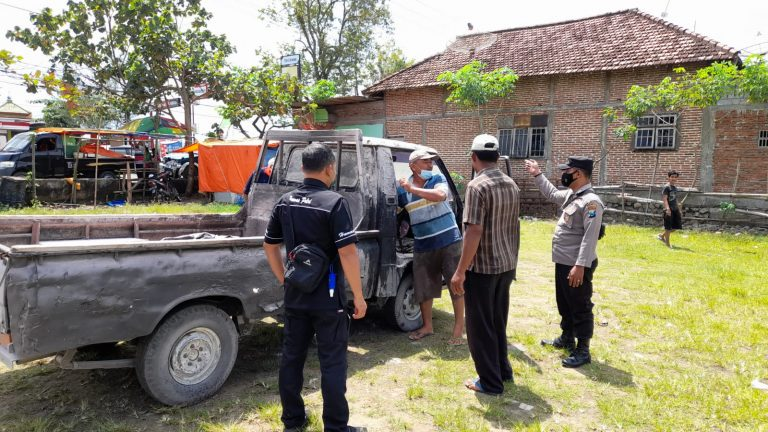 Korsleting, Mobil Pikap Terbakar di SPBU Bandung Tulungagung