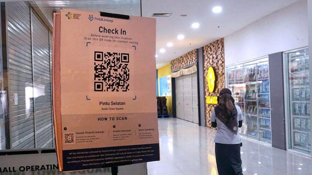 Pusat Perbelanjaan di Kediri Kota Gunakan Aplikasi PeduliLindungi
