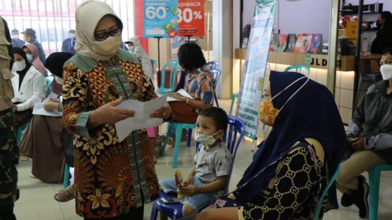 Kabupaten Jombang Gencarkan Vaksinasi COVID-19 di Pusat Perbelanjaan