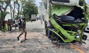 Polisi Selidiki Insiden Tabrakan Dua Truk di Jalan Raya Nganjuk-Surabaya