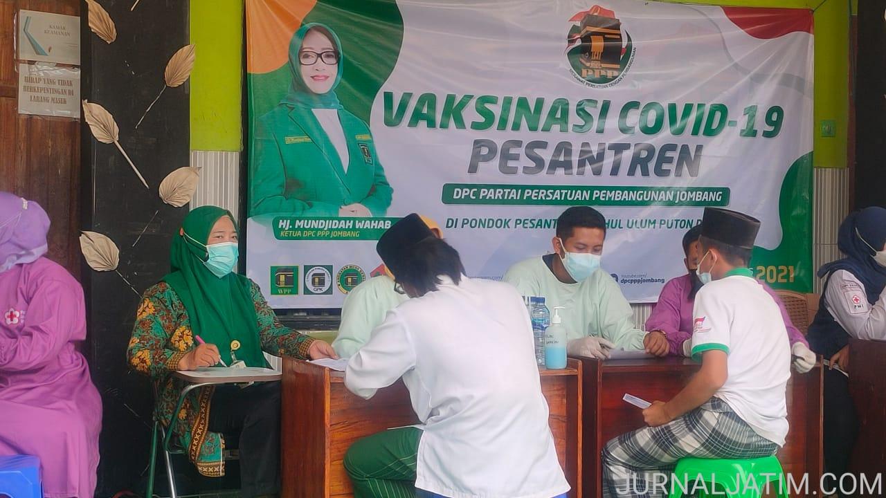 PPP Jombang Gelar Vaksinasi COVID-19 di Ponpes Fathul Ulum Diwek